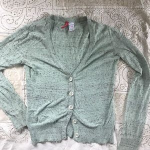 H&M Divided Button Down Cardigan 🧚🏻♂️🧚🏻♂️